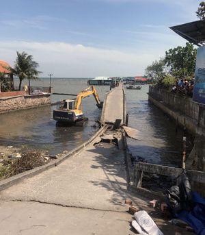 Tháo dỡ cầu cảng Hàm Ninh ở Phú Quốc