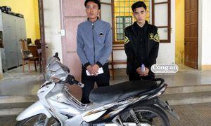 2 thanh niên lập mưu cướp xe ôm giữa khuya