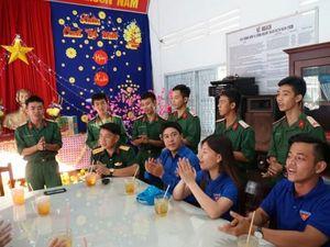 Vui Xuân cùng bộ đội vùng biên giới