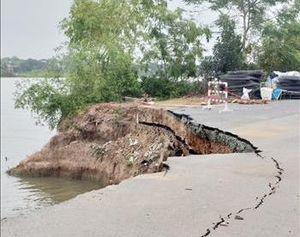 Quốc lộ 91 qua xã Bình Mỹ tiếp tục sạt lở nghiêm trọng