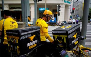 Nỗi sợ virus corona khiến nhiều dịch vụ giao đồ ăn lao đao ở Trung Quốc