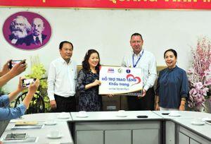 MM Mega Market Việt Nam tặng 20.000 khẩu trang cho bệnh viện Nhi đồng 1