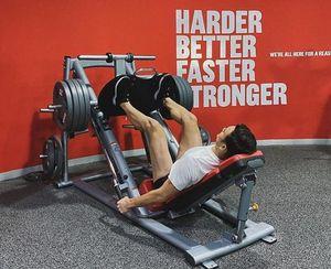 Khoe video tập gym chăm chỉ, Văn Lâm khiến fan hâm mộ 'bỏng mắt' với thân hình 6 múi cực phẩm