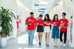 Nhiều trường Đại học bắt đầu 'tung' học bổng lớn hút sinh viên xuất sắc