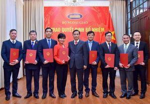 Bộ Tài nguyên và Môi trường, Bộ Ngoại giao điều động, bổ nhiệm lãnh đạo mới