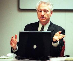 Larry Tesler người tạo lệnh copy và pase qua đời ở tuổi 74