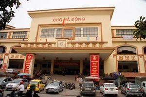 Hà Nội: Tiểu thương tố cáo Ban quản lý chợ Hà Đông cắt khung sắt, đột nhập vào kho hàng