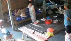 Cặp vợ chồng ngược đãi mẹ già 88 tuổi ở Tiền Giang đối diện mức án nào?
