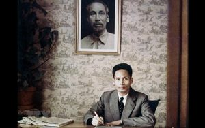 Dâng hương kỷ niệm 114 năm Ngày sinh Thủ tướng Phạm Văn Ðồng