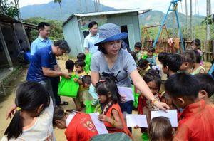 Trao quà và phát 15.000 khẩu trang miễn phí tại Quảng Nam