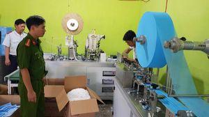 Phú Yên: Phát hiện một cơ sở sản xuất khẩu trang y tế không phép