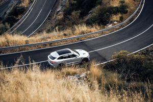 Xe SUV Jaguar F-PACE dưới ống kính máy ảnh Canon EOS C500 Mark II