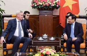 Phó Thủ tướng Phạm Bình Minh tiếp Thứ trưởng Bộ Ngoại giao Nga V.Titov