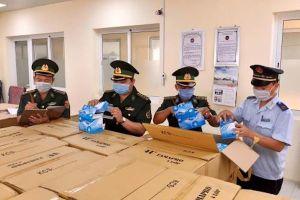 Tiếp tục bắt được các vụ xuất lậu khẩu trang y tế sang Campuchia