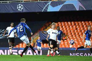 Năm cầu thủ Valencia và 10 cầu thủ Serie A dính COVID-19
