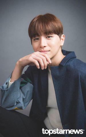 Kim Woo Seok (X1) 'yêu đương' bạn diễn của Ong Seong Woo (Wanna One): Lộ dàn cast 'Twenty-Twenty'