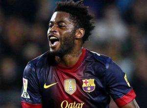Cựu sao Barca bị sa thải do không chịu giảm lương