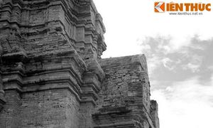 Thiên tình sử truyền đời ở tòa tháp Chăm nổi tiếng Bình Thuận