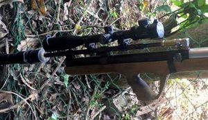 Dí súng vào đầu bạn bóp cò vì tưởng không có đạn