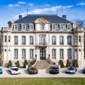 Đội hình siêu xe đắt đỏ, độc quyền nhất thế giới của Bugatti lần đầu tụ hội