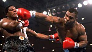 'Tay đấm thép' Tyson dũng mãnh ở tuổi 53