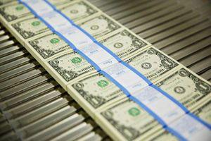 Mỹ lấy ở đâu 2.000 tỷ USD cho gói cứu trợ lớn nhất lịch sử?