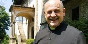 Linh mục Italy qua đời vì nhường máy thở cho bệnh nhân COVID-19