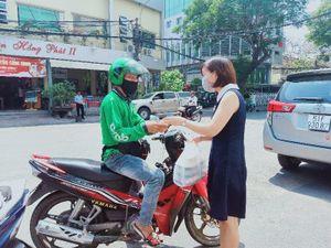Nở rộ dịch vụ đi chợ hộ, mua hộ… thời dịch COVID-19