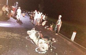 2 xe máy tông nhau trên đường liên thôn trong đêm, 3 người tử vong
