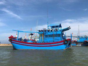 Bình Định: Phạt 3,6 tỷ đồng 4 tàu cá xâm phạm lãnh hải nước ngoài