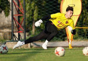 Vì sao Văn Lâm mất suất bắt chính tại Thai League?