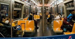Dân nghèo New York chống Covid-19: Người trú ẩn trên tàu điện ngầm tìm kế sinh nhai trong sợ hãi, người bỏ qua lo lắng dịch bệnh chỉ mong không mất việc