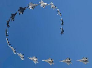 Bất ngờ: F-22 Raptor của Mỹ thừa sức làm động tác 'rắn hổ mang' kiểu Nga