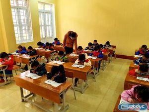Sách giáo khoa tăng giá, hiệu trưởng thương học sinh nghèo