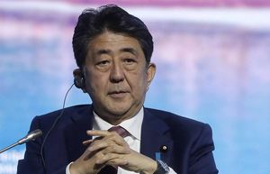 Thủ tướng Nhật Bản hoãn chuyến thăm Nga vào tháng 5