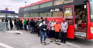 Phát hiện xe khách chở 30 người vào Hà Nội trong thời gian cách ly xã hội