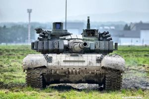 Trầm trồ trước xe tăng T-72 bản 'độ' mang trên mình sức mạnh hơn cả T-90
