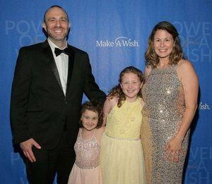 Bệnh nhân ung thư nhí catwalk gây quỹ từ thiện ung thư