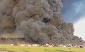 Clip đám cháy thiêu rụi hơn 3.500 ô tô ở Mỹ