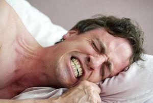 Mẹo vặt chữa nghiến răng khi ngủ đơn giản, hiệu quả nhất