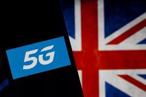 Nhà mạng Anh khẩn cầu người dân ngưng đốt tháp 5G