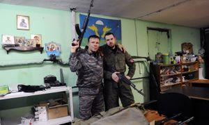 Mỹ trừng phạt băng đảng khủng bố thượng tôn da trắng người Nga