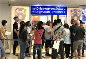 Thái Lan gia hạn thị thực cho người nước ngoài mắc kẹt vì dịch COVID-19