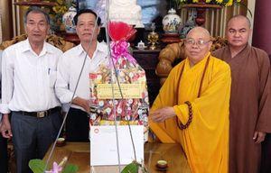 MTTQ tỉnh Kon Tum chúc mừng Phật đản
