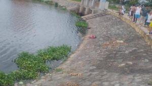 Phát hiện thi thể bé gái nổi lên ở mặt hồ Cửa Nam