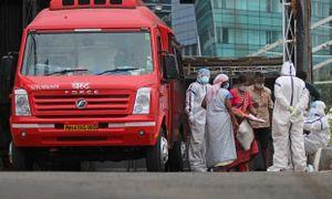 Ấn Độ sơ tán bệnh nhân COVID-19 khỏi bão Nisarga