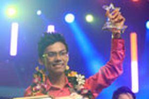 Lê Thái Sơn đoạt giải nhất Tiếng ca học đường 2009