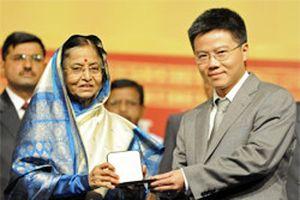 Giáo sư Ngô Bảo Châu đoạt giải 'Nobel Toán học'