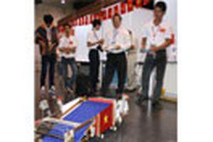 'Mê cung robot Dế Mèn' tranh tài sáng tạo trẻ thế giới