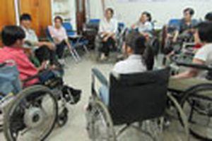 Nghề công tác xã hội ở Việt Nam - Thách thức lên chuyên nghiệp